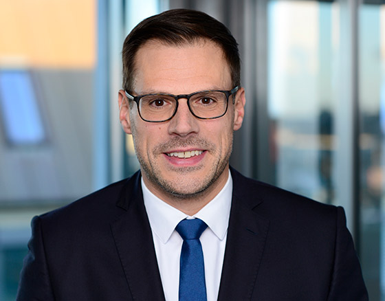 Felix Meyen - Head of Transaction Management Germany